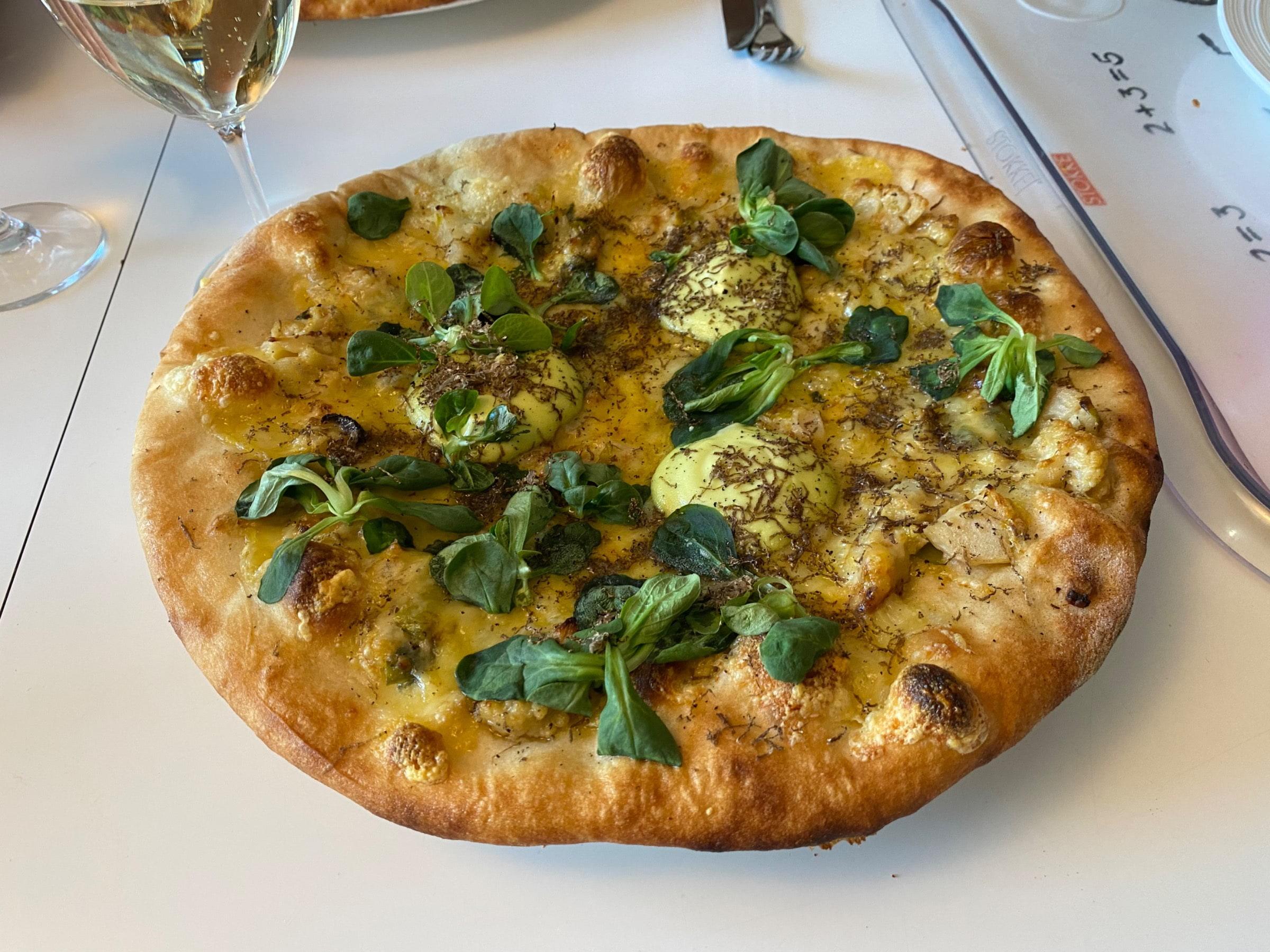 På torsdagar har de ibland pizza. Här vegetarisk – Photo from Magnus Johansson Bageri & Konditori by Agnes L.