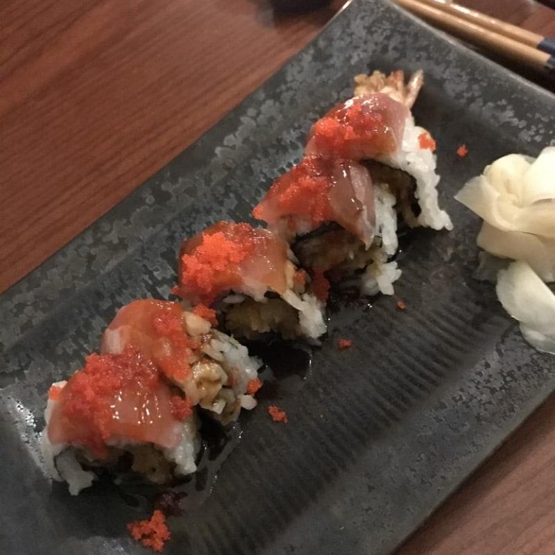 Makirullar med friterad räka samt tonfisk – Bild från Minako av Jessica K.