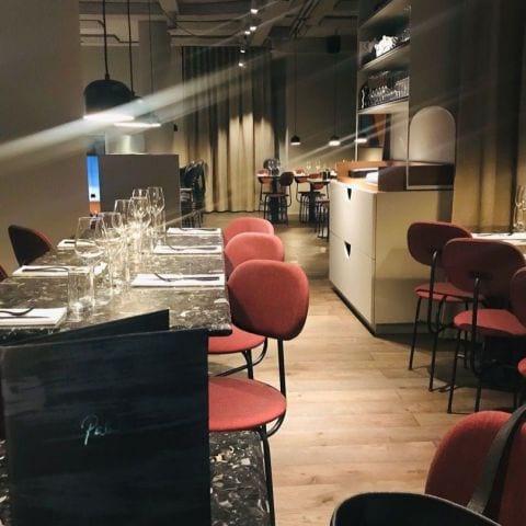 Ensam i matsalen – Bild från Palett av Anna B.