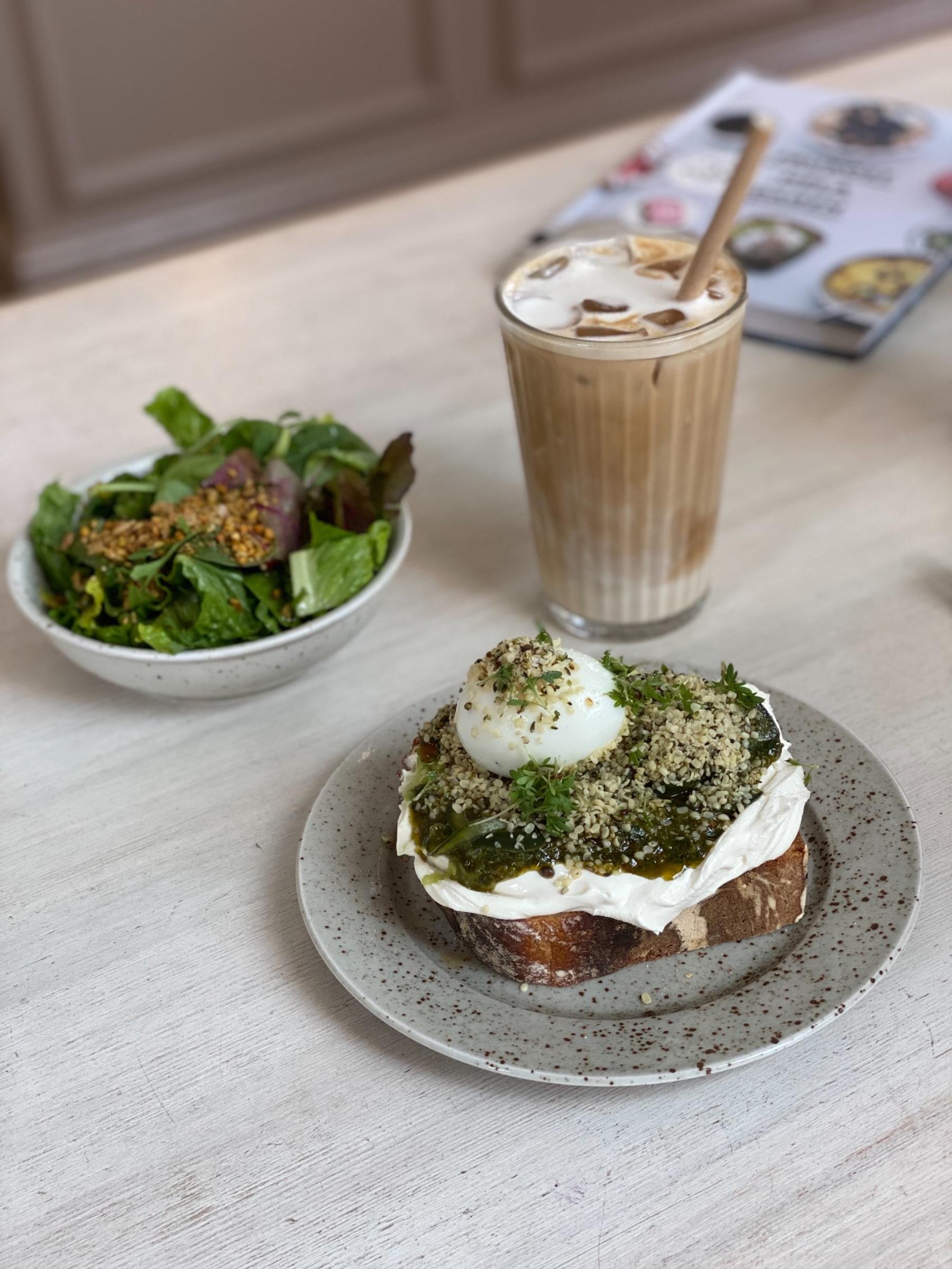 Perflet frukost eller lunch. – Photo from Pom & Flora Bondegatan by Agnes L.