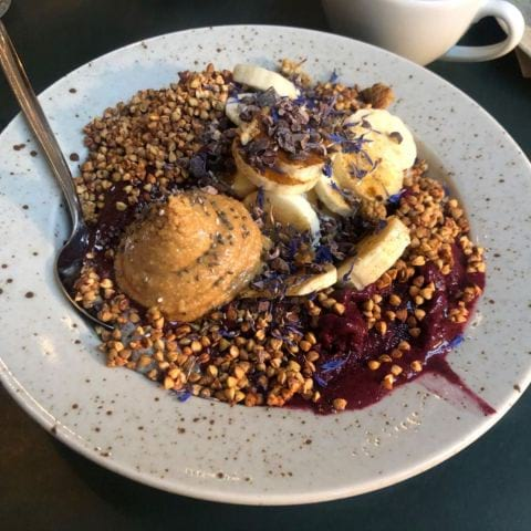Acai bowl – Photo from Pom & Flora Bondegatan by Mythu L.