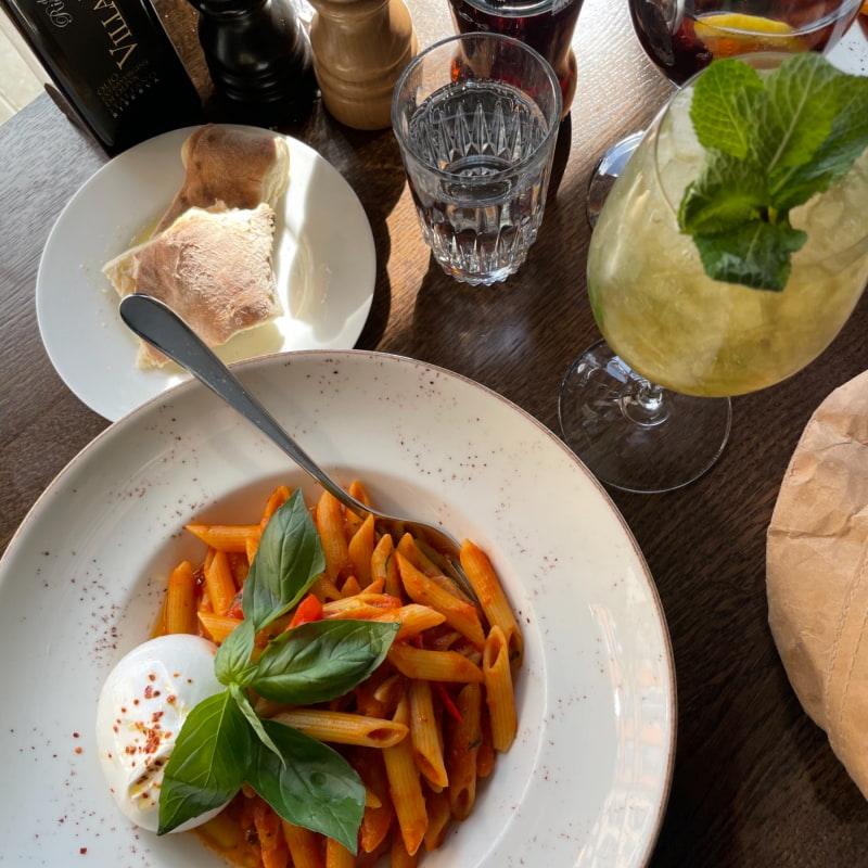 Otrolig pasta 🍝 – Bild från Portofino av Sarah A.