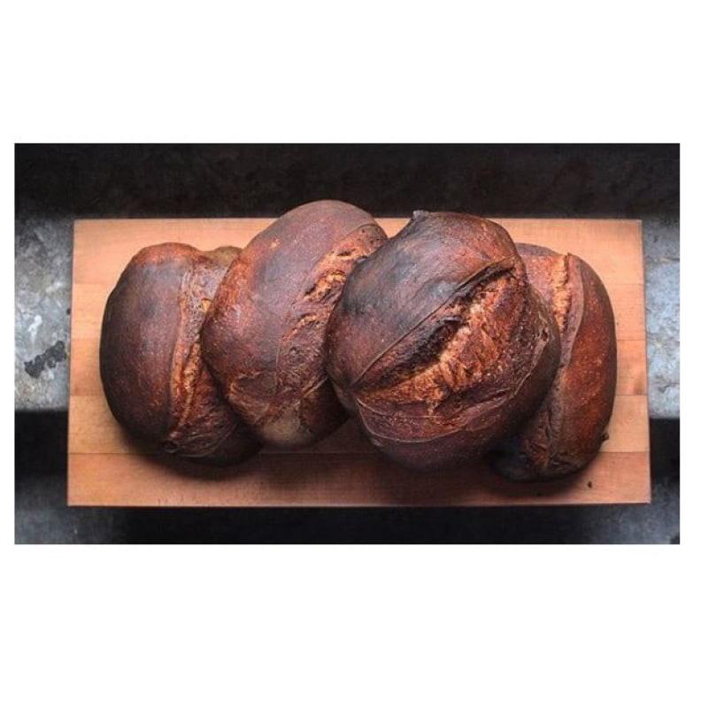 Surdegsbröd med kärnat smör – Bild från Prospero Restaurant av Hanna W.