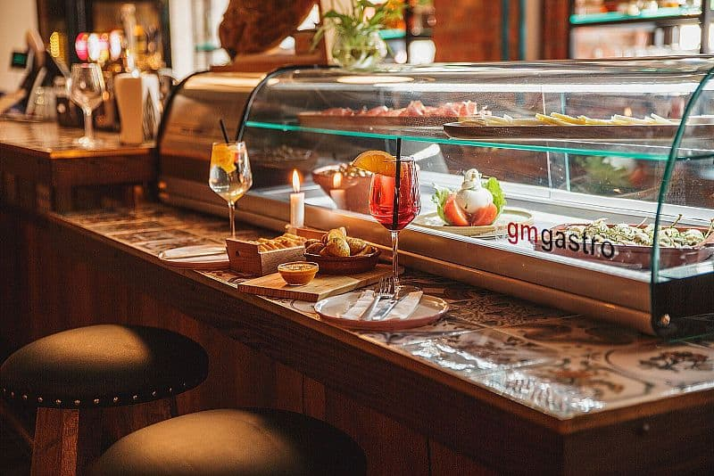 R Madrid Tapas Bar