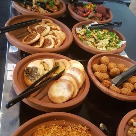 Varm mezza – Bild från Restaurang Laziza av Rawa A.