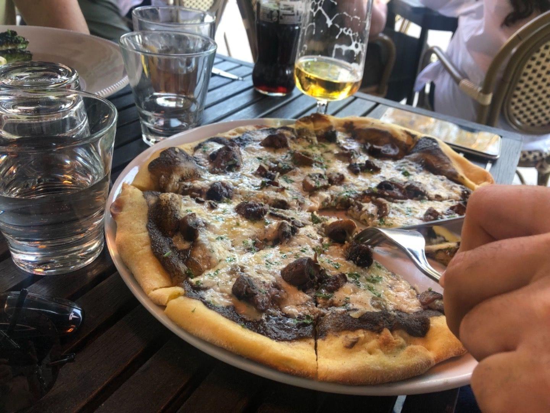 Tryffelpizza med svamp – Bild från Restaurang Marco's av Annelie V.