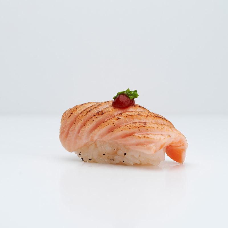 Halstrad lax – Bild från Saya Sushi Hötorget av Saya S.