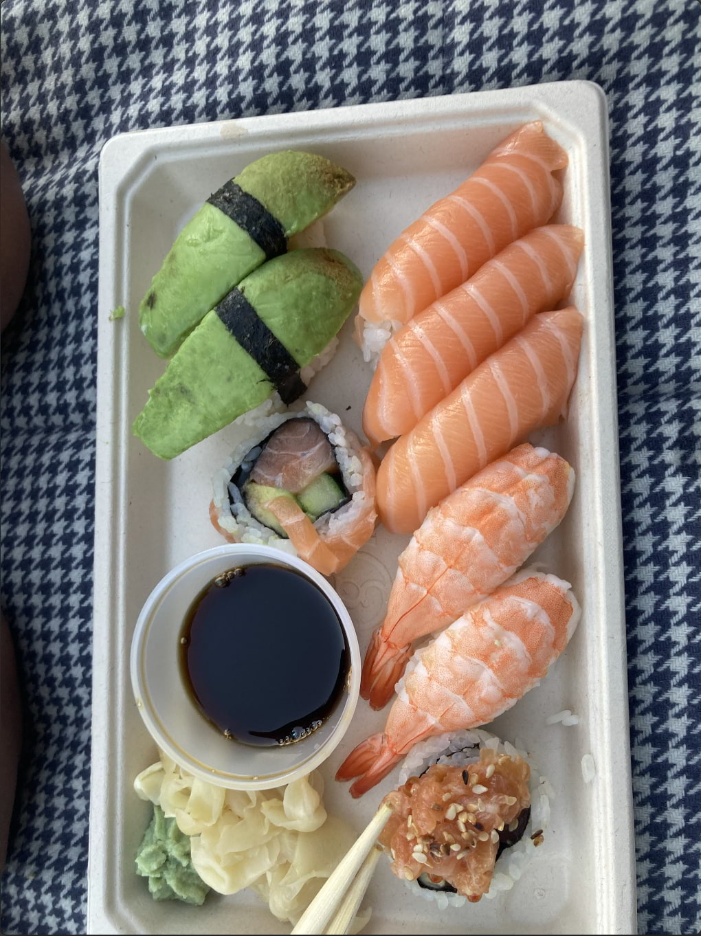 Liten sushi 9-bitars – Bild från Saya Sushi Östermalm av Jessica K.