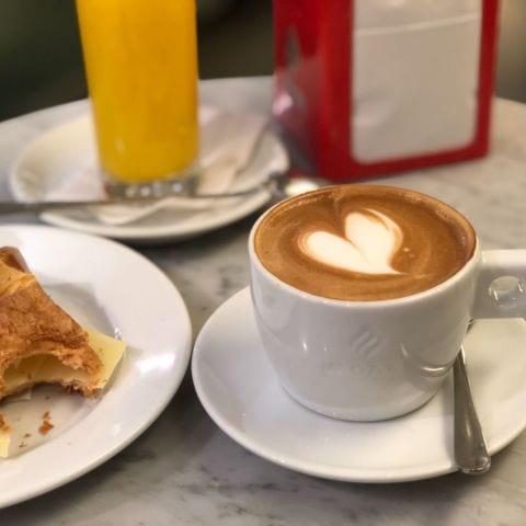 Frukostpaket 89kr. – Bild från Sempre Espresso Bar av Agnes L.