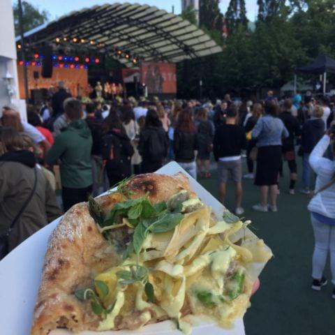 Surdegspizza ala Sebastien – Bild från Smaka på Stockholm av Peter B.