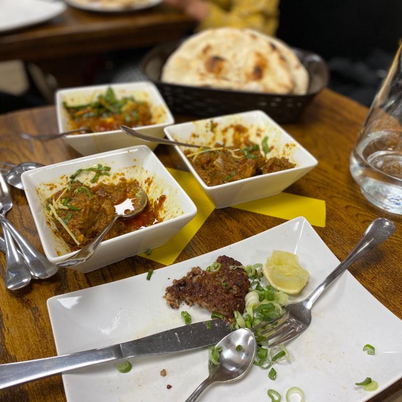 Mutton kerai, chicken ginger, chappal kebab, – Bild från Spice Villa av Madiha S.