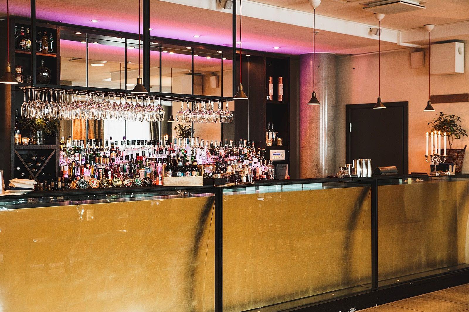 Krok upp bar och restaurang