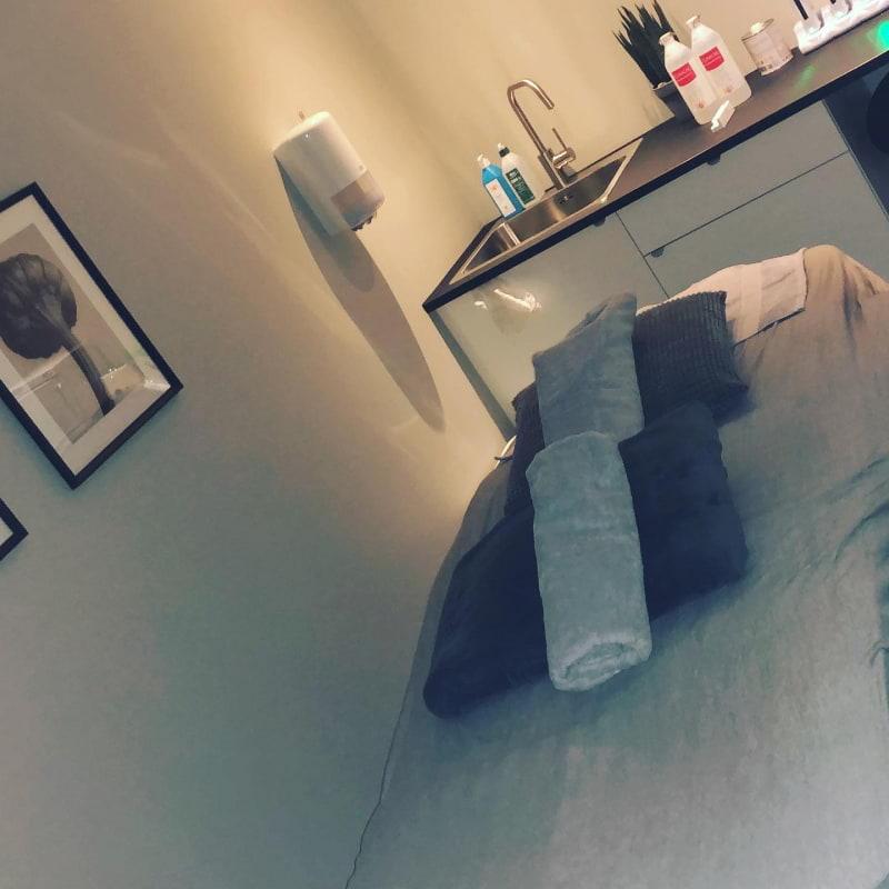 Här ska jag få behandling av min supergod terapeut – Bild från Studio Aroma Teatergatan av Gunilla G.