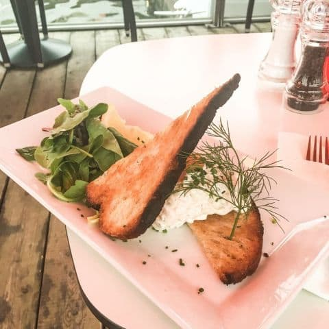 Toast Skagen – Bild från Strandbryggan av Fredrik J.
