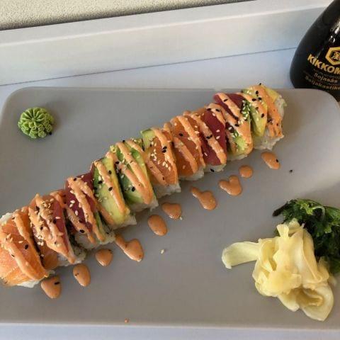 Spicy tuna – Bild från Sushi Express av Adam L.