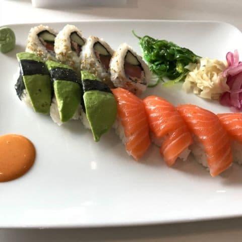 Bild från Sushi Yama Barkabystaden av Robin N.