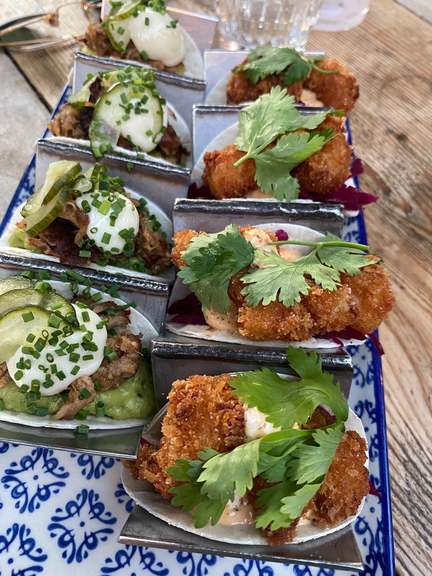 Påfyllning av tacos – Bild från Supper Visby av Adam L.