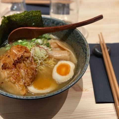 Shoyu Tori (kyckling) – Photo from Take Ramen by Adam L.