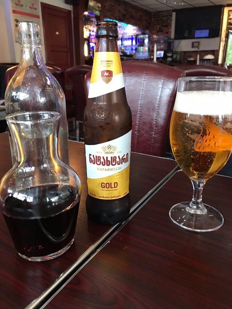 Toppenbra öl och bra matvin. – Bild från Tbilisis Hörna av Birgitta B.