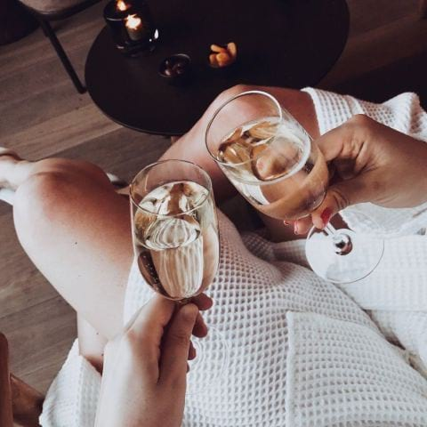 Champagne i loungen – Photo from The Nest by Linn W.