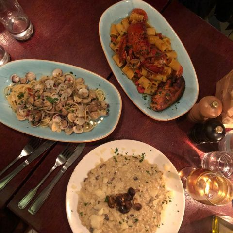 Hummerpasta, vongole och svamprisotto – Photo from Trattoria Montanari by David F.