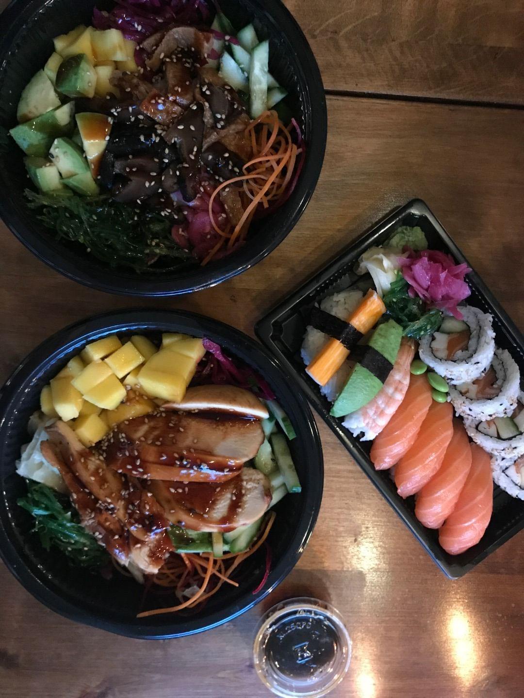 Pokebowl + Sushi – Bild från Tsuyo Sushi av Jessica K.