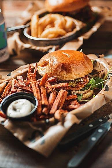 Tugg Burgers