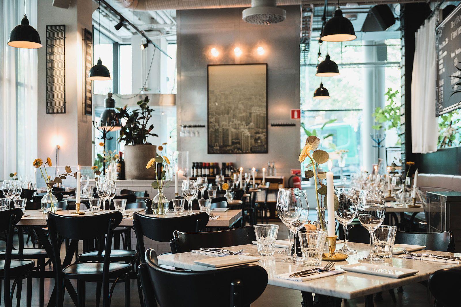 Usine restaurang bar konferenslokal caf s dermalm for Table style usine