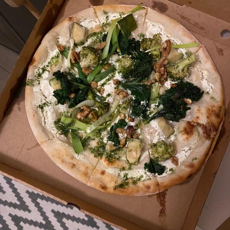 California Veggie – Photo from Vår Pizza by Caroline L.