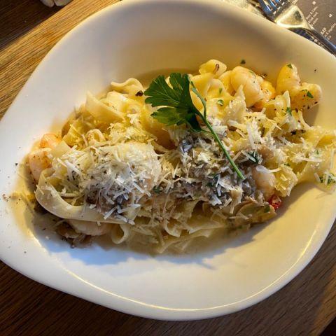 My pasta med scampi och väldigt mycket vitlök – Photo from Vapiano Kungsbron by Annelie V.