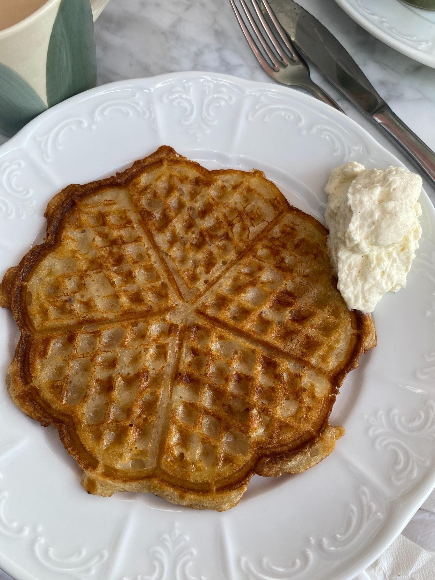 Frukostbuffé – Bild från Villa Alma av Adam L.