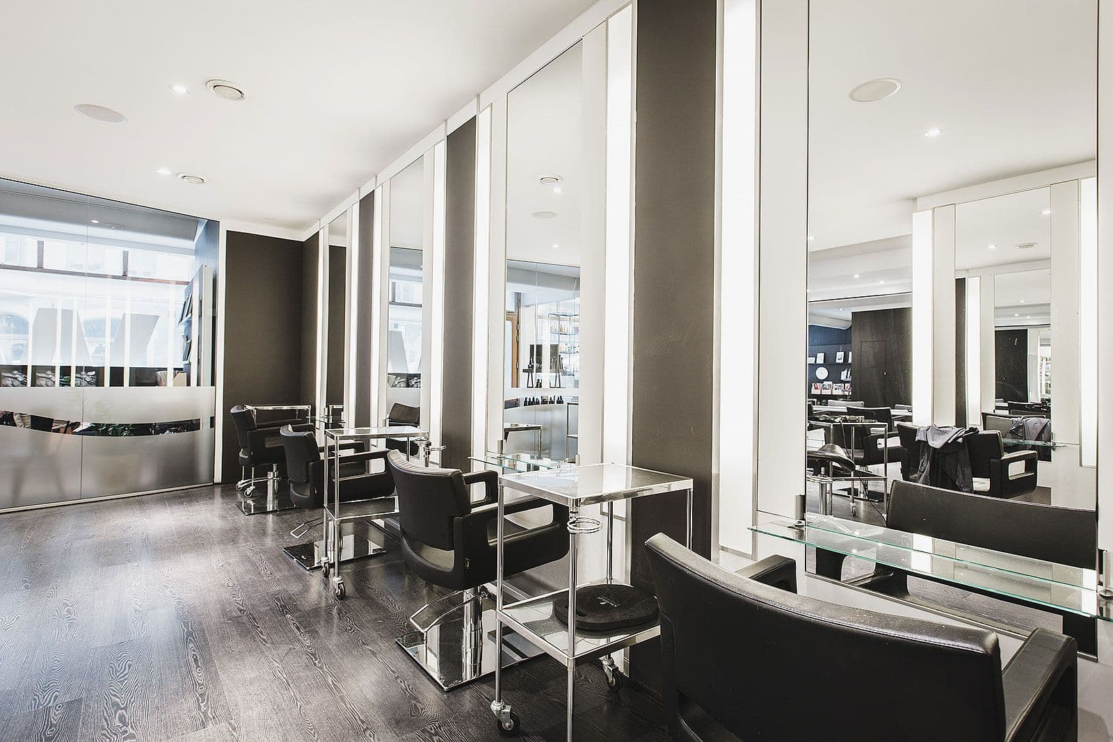 Beauty salons lists by zip codebeauty hair salons for Hair salons open near me