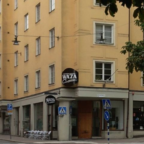 Entrén till Bryggeripub – Bild från Waza Restaurang & Bryggeri av Sabine E.