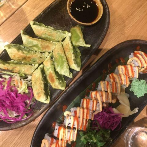 Vegetarisk Gyoza och Spicy Tuna. – Bild från Weidao av Caroline L.