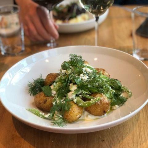 Lunch: Aubergine, paprika, potatis, fetaost – Bild från Wine Mechanics av Agnes L.