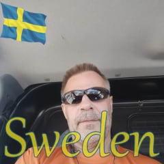 Lars E.