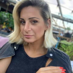 Suzana L.